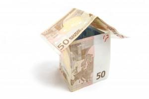 какие банки дают кредит с временной пропиской